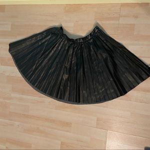 💥5/$25 Pleated pleather skirt